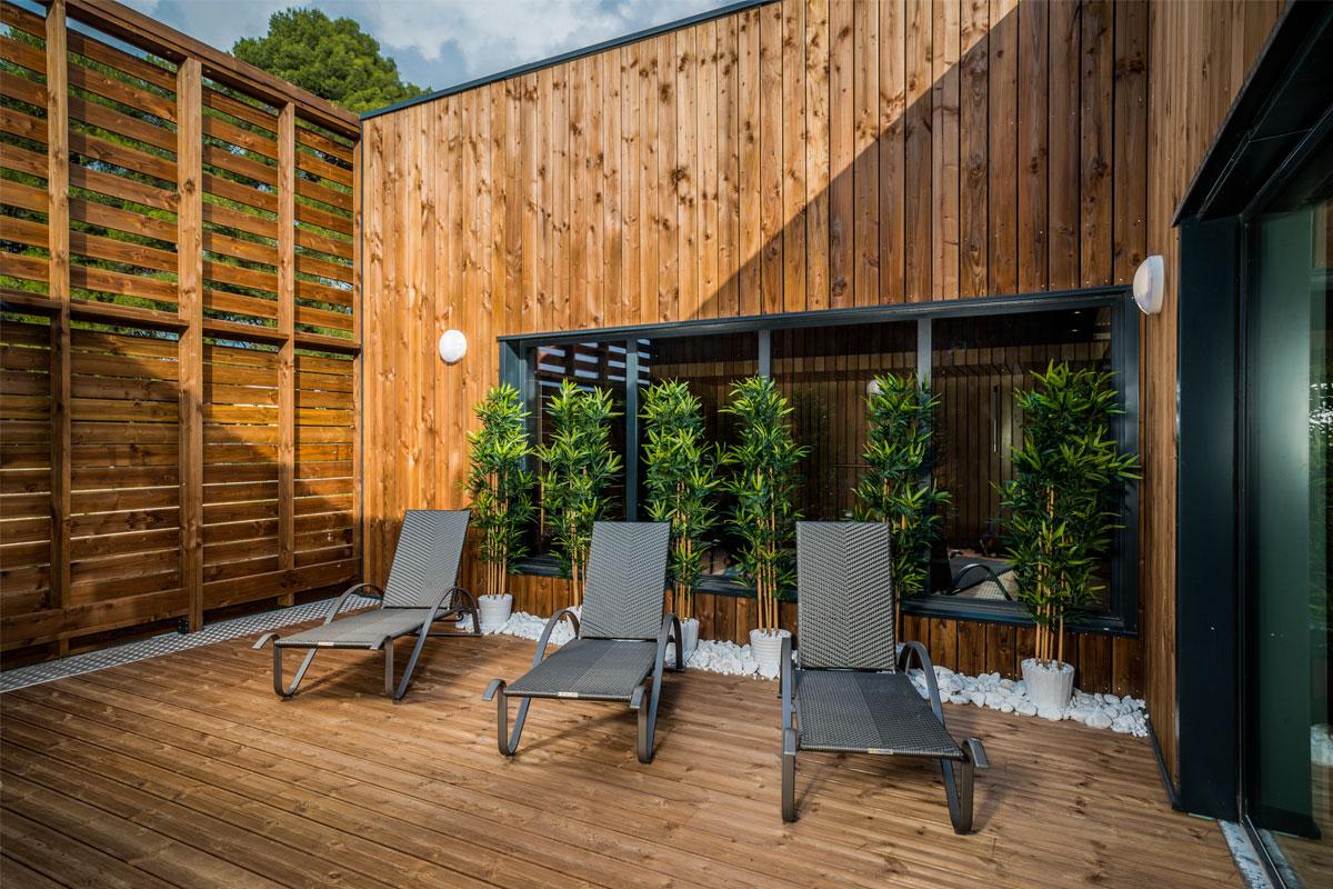 vital spa darnet design. Black Bedroom Furniture Sets. Home Design Ideas